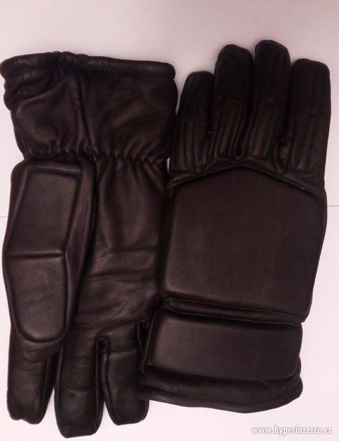 Protiúderové rukavice