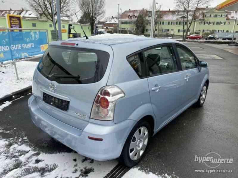 Toyota Corolla Verso 1,8i benzín 95kw - foto 2