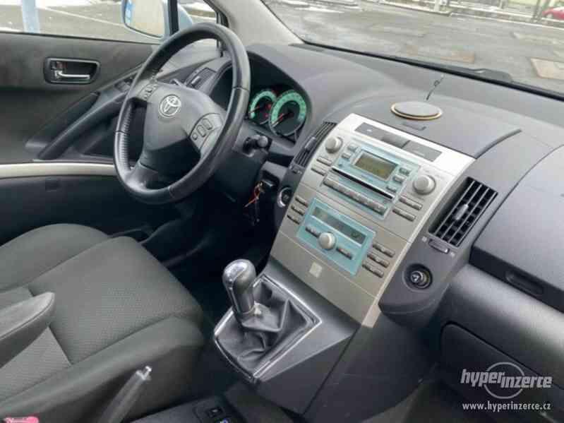 Toyota Corolla Verso 1,8i benzín 95kw - foto 5