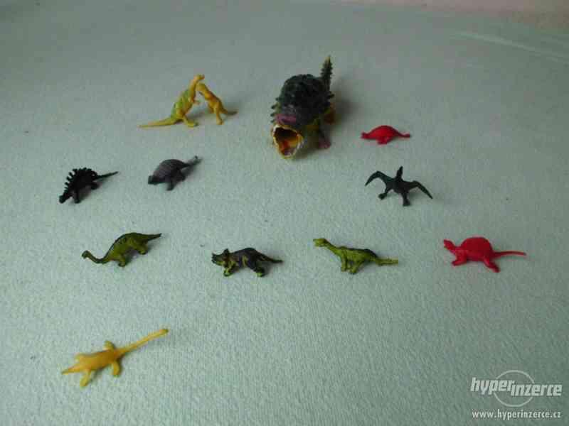 Dinosauři - hračky - figurky