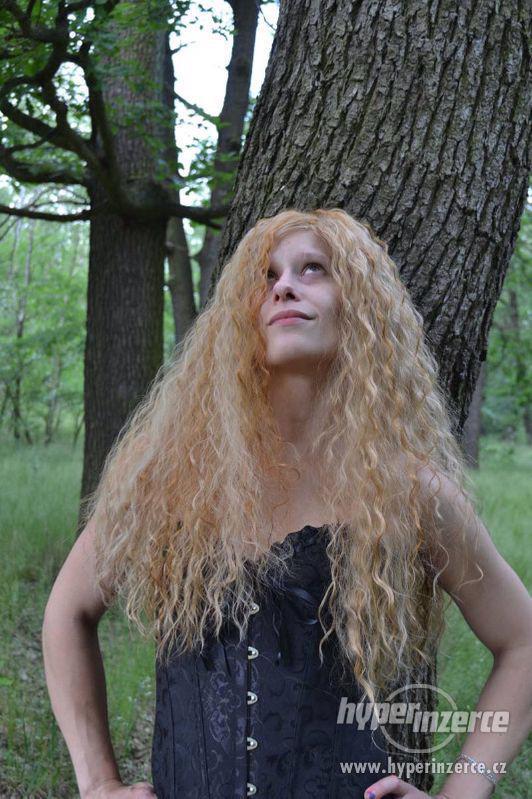 Paruka blond, hustá