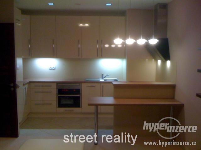 Prodej exkluzivního bytu 2+kk+B+G v Rezidenci Čertovka - foto 1