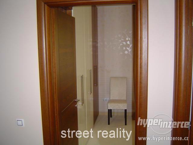 Prodej exkluzivního bytu 2+kk+B+G v Rezidenci Čertovka - foto 5