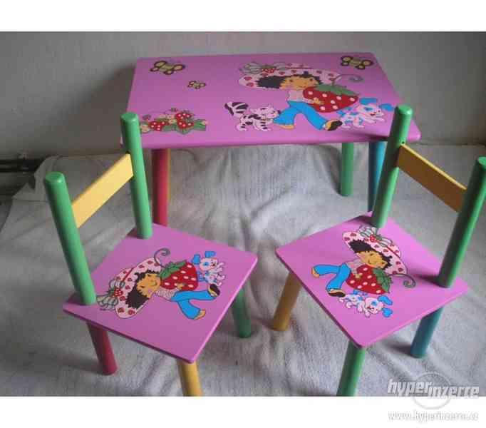 Dětský stoleček a 2 židličky Jahůdka