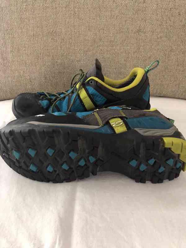 Prodám značkové  dámské turistické boty  quechua - foto 1