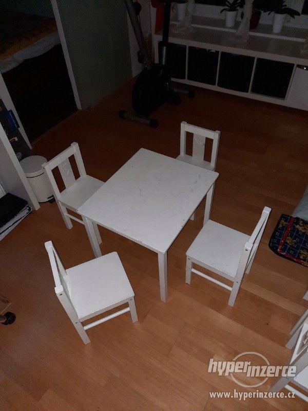 Dětské židličky + stůl - foto 1