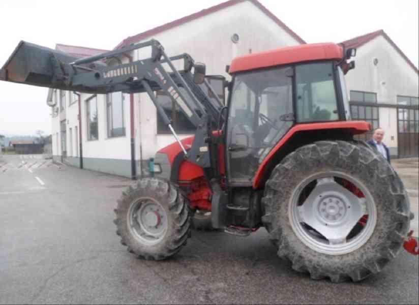 Traktor McCormick CX 1Ox5 + čelní nakladač