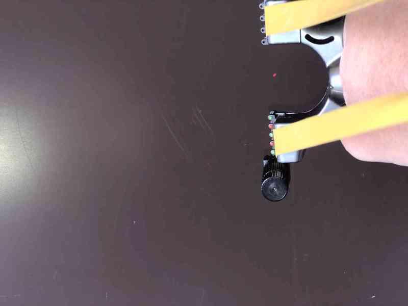 Lovecký prak s laserem - foto 5