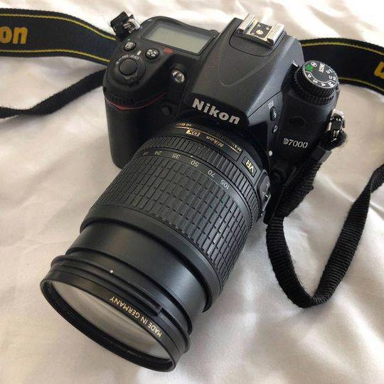Nikon D7000 černý + objektiv AF-S NIKKOR 18-105mm