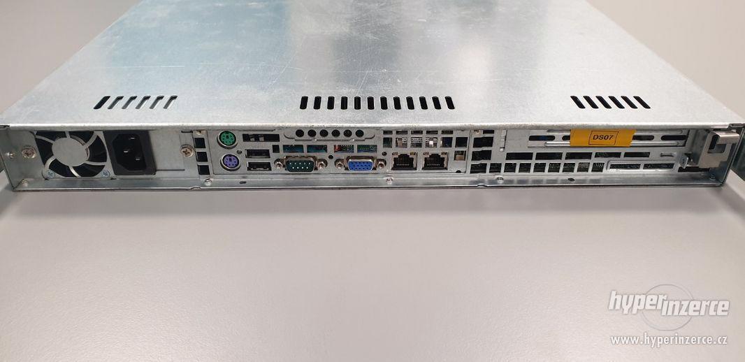 server Supermicro, X7SBi, Intel Core2Duo E8200, 2x WD 250 GB