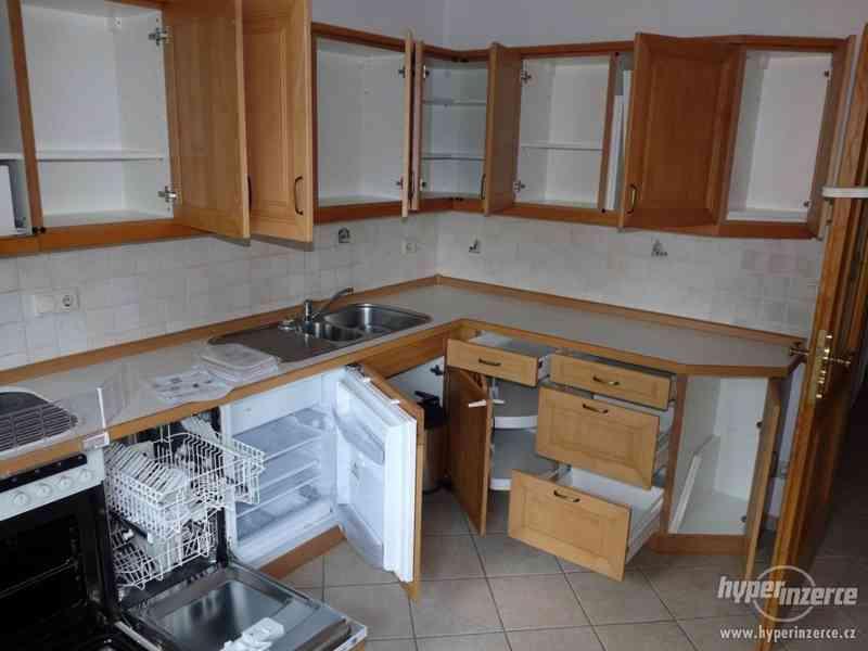 Velmi pěkná kuchyně - světlá - foto 5
