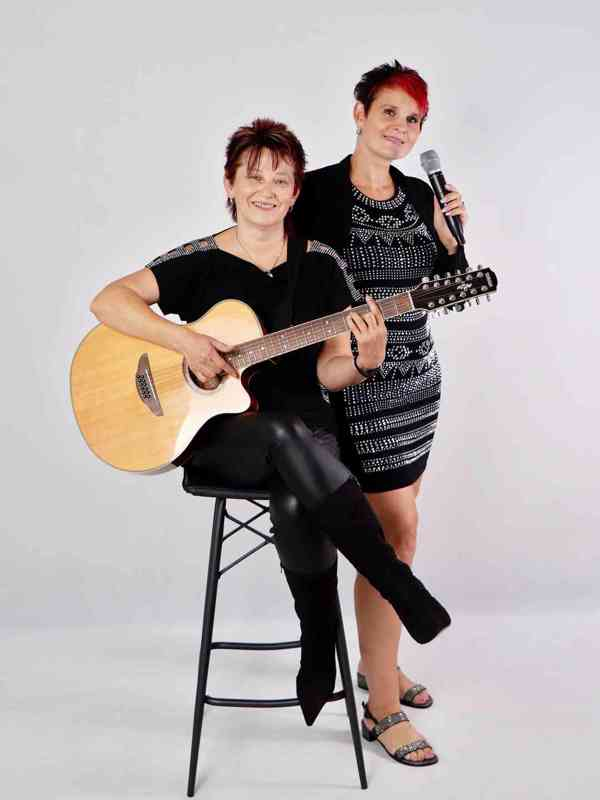 Hudební duo REBELKY