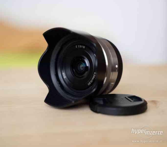 Sony a7s + Canon 24-105 + příslušenství - foto 14