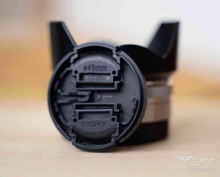 Sony a7s + Canon 24-105 + příslušenství - foto 15