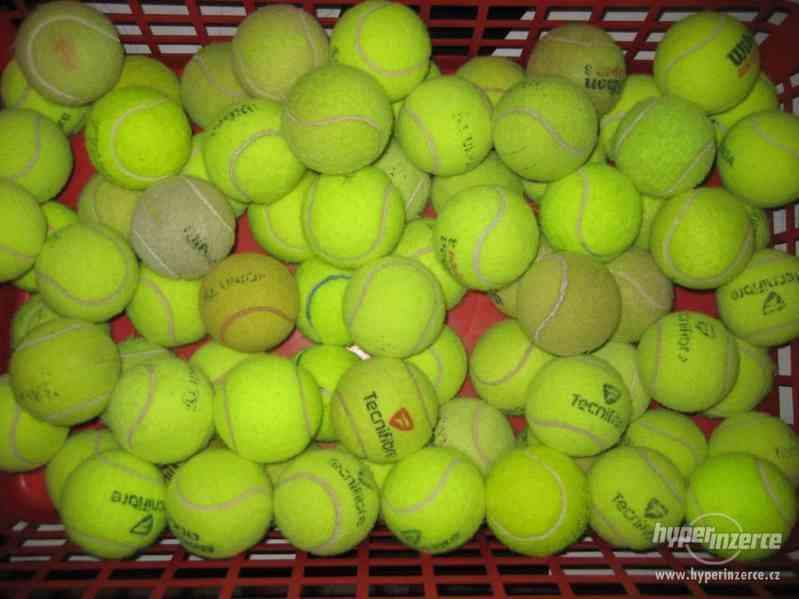 Tenisové míčky, hračky pro pejsky