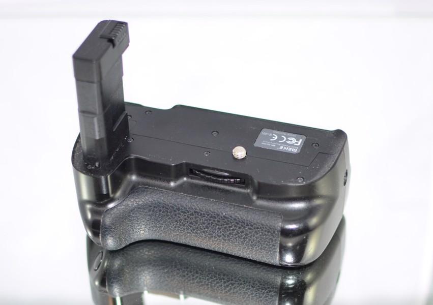 Bateriový grip Meike MK-D5300 **pro Nikon D3300/5300*