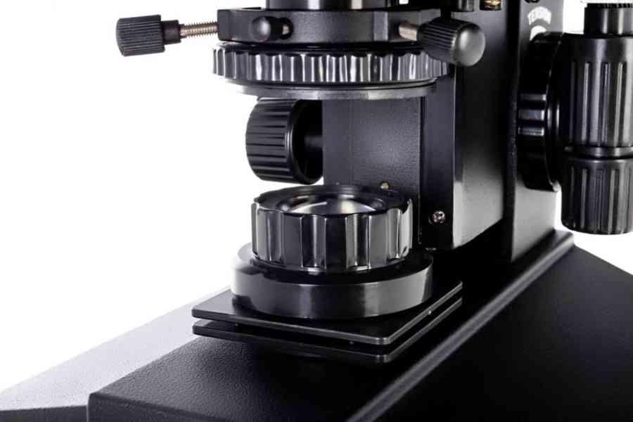 Biologický trinokulární mikroskop Levenhuk 870T - foto 8