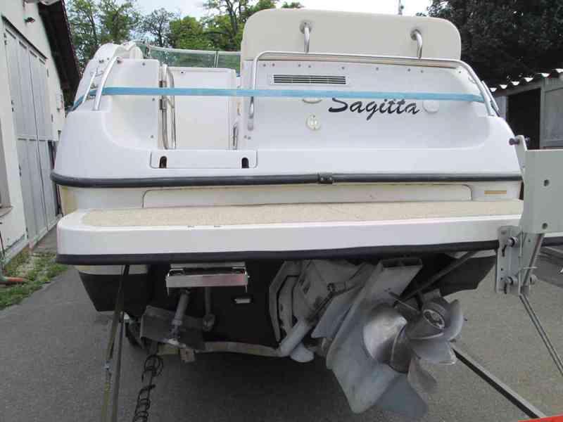 Prodám kajutovou motorovou loď Crownline 268 - foto 2