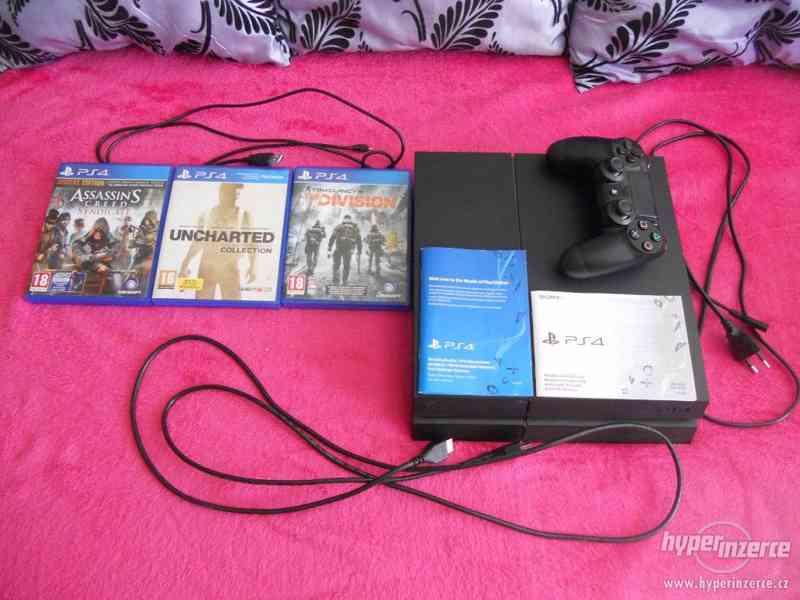Sony Playstation 4 1TB + 3 her