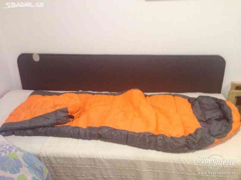 2 dlouhé spací pytle