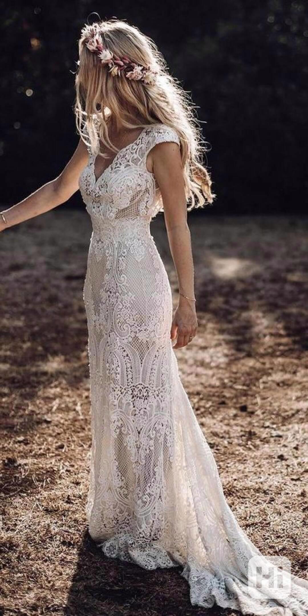 Elegantní krajkové šaty - L - foto 1