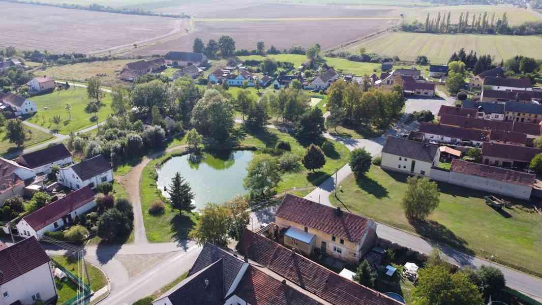 Prodej stavebního pozemku 1 028 m² v obci Přehýšov