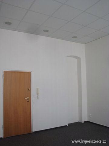 Kanceláře v atraktivní lokalitě - foto 5