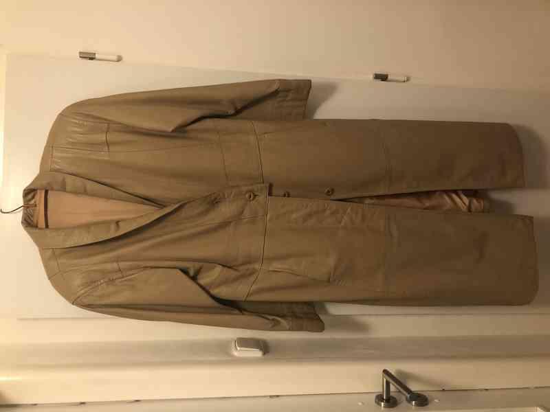 Dámský dlouhý kožený kabát