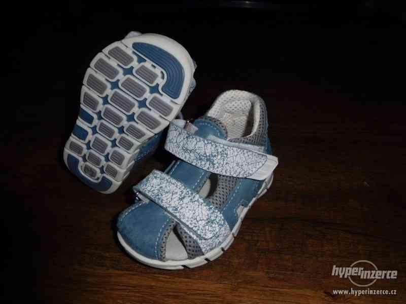 Sandále Santé