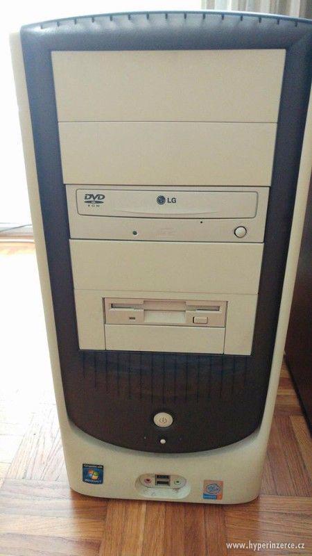 Pc včetně Lcd monitoru,klávesnice a myši - foto 1