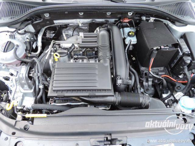 Škoda Octavia 1.2, benzín, r.v. 2015 - foto 23