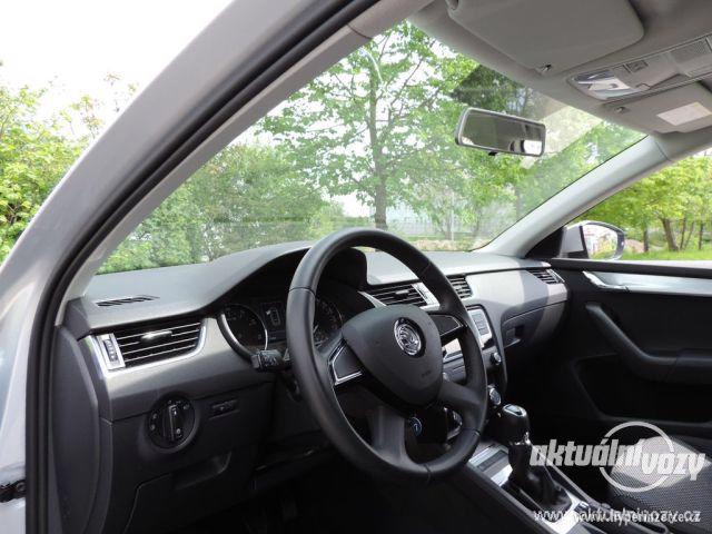 Škoda Octavia 1.2, benzín, r.v. 2015 - foto 29