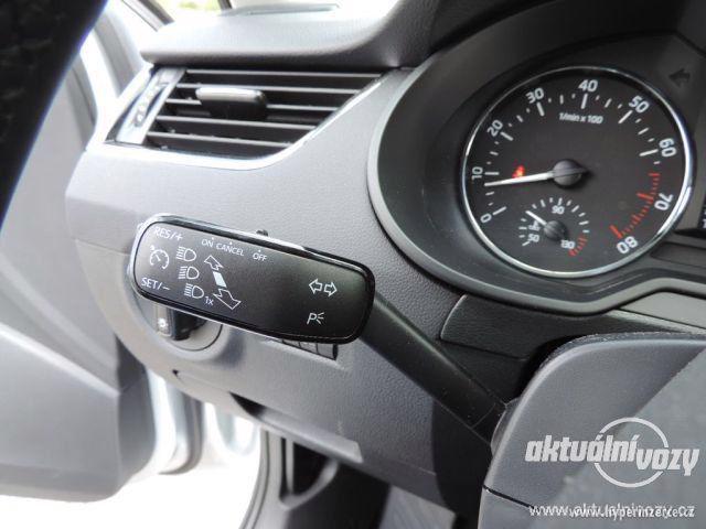 Škoda Octavia 1.2, benzín, r.v. 2015 - foto 37