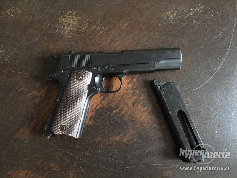 Airsoftová pistole Colt M1911 Co2 - foto 1