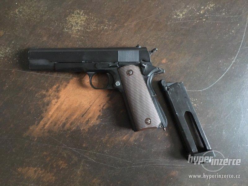Airsoftová pistole Colt M1911 Co2 - foto 2