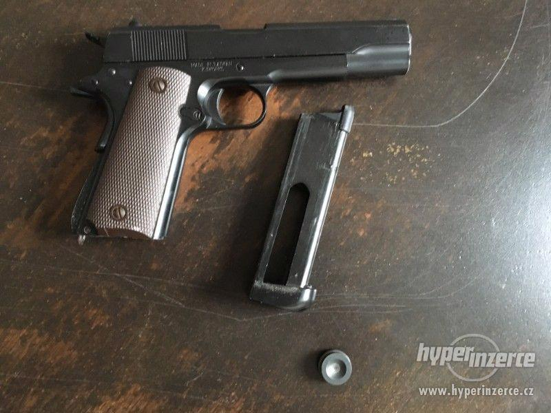 Airsoftová pistole Colt M1911 Co2 - foto 3