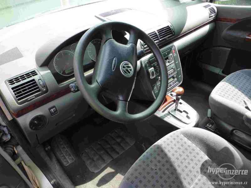VW Sharan 1.9 TDI 85kw 7 míst plná výbava tažné automat - foto 11