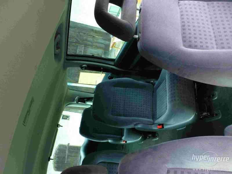 VW Sharan 1.9 TDI 85kw 7 míst plná výbava tažné automat - foto 15