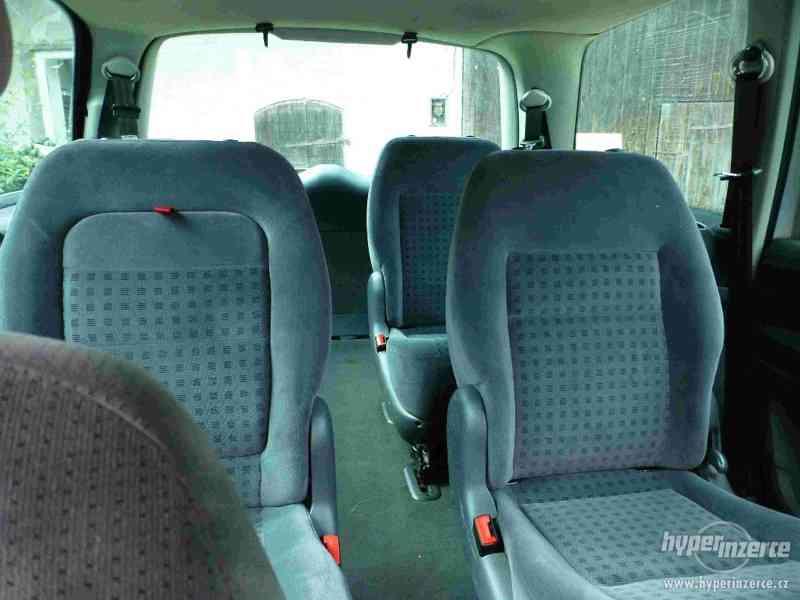 VW Sharan 1.9 TDI 85kw 7 míst plná výbava tažné automat - foto 16