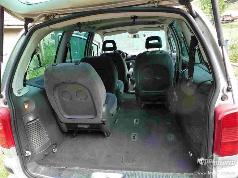 VW Sharan 1.9 TDI 85kw 7 míst plná výbava tažné automat - foto 17