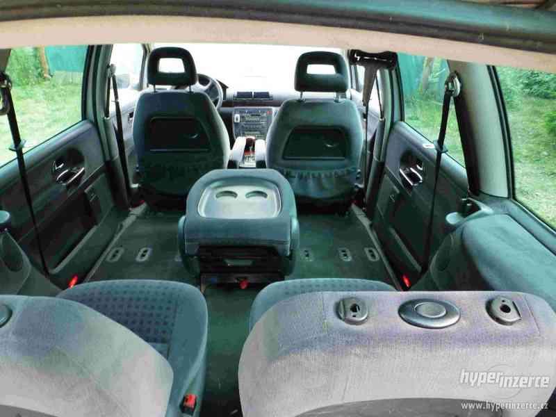 VW Sharan 1.9 TDI 85kw 7 míst plná výbava tažné automat - foto 18