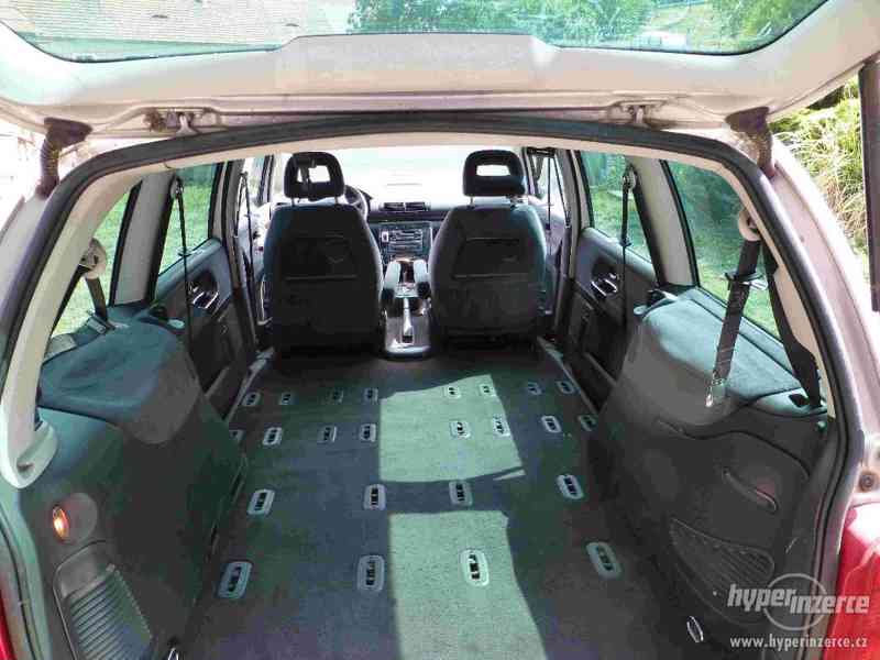 VW Sharan 1.9 TDI 85kw 7 míst plná výbava tažné automat - foto 22