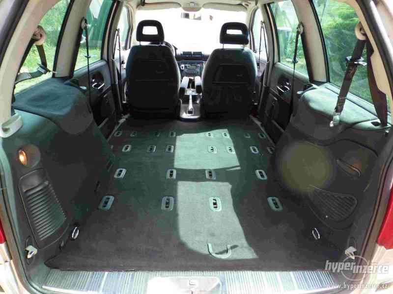 VW Sharan 1.9 TDI 85kw 7 míst plná výbava tažné automat - foto 23
