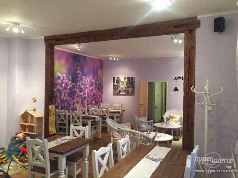 Jídelní stůl PROVANCE 1400 x 900 - dřevěný plný masiv