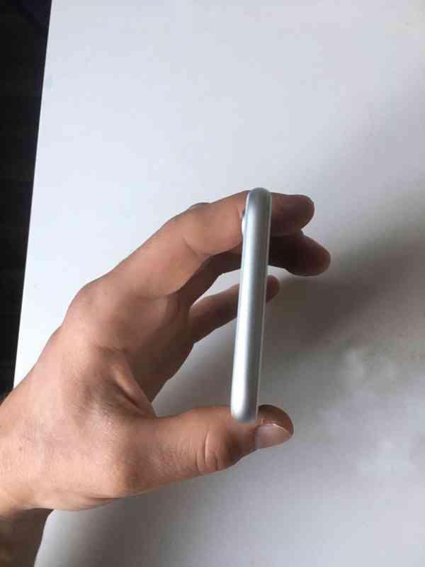 iPhone 8, 64GB - foto 9