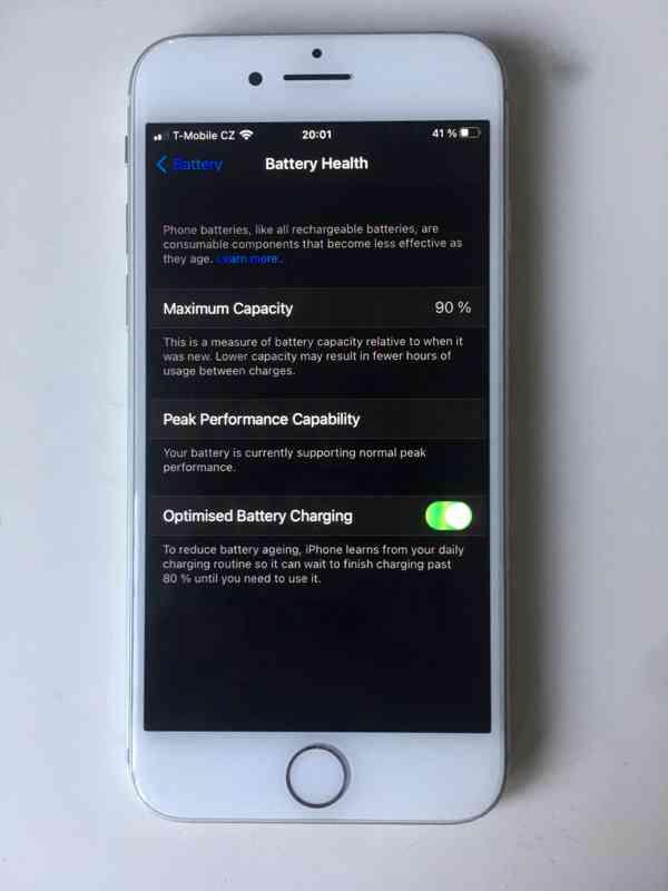 iPhone 8, 64GB - foto 4