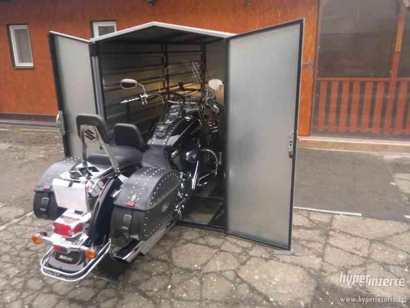 Garáž pro motorku